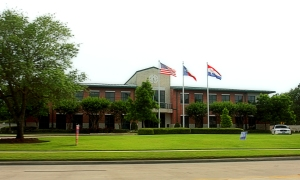 Friendswood_Texas_City_Hall_77546